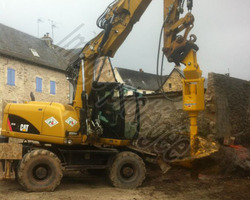 Sirmain Tp - Rignac - Réalisation de puits de fondation avec la tarière